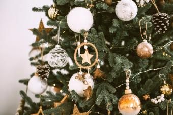 Simple and natural Christmas ornaments