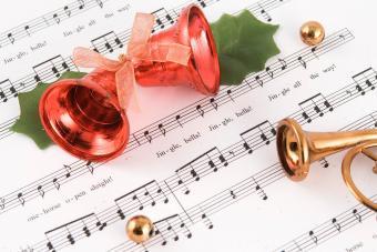 36 Christmas Song Lyrics: Sing Festively (and Correctly)