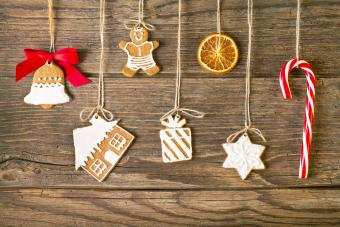 4 DIY Christmas Candy Decorations to Sweeten Your Decor