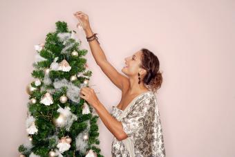 https://cf.ltkcdn.net/christmas/images/slide/275777-850x566-christmas-tree-ideas-inspiration.jpg