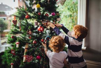 https://cf.ltkcdn.net/christmas/images/slide/275778-850x566-christmas-tree-ideas-texture.jpg