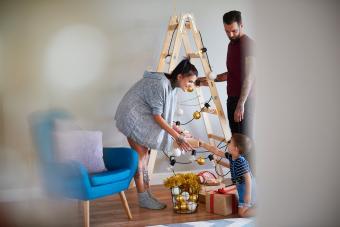 https://cf.ltkcdn.net/christmas/images/slide/275780-850x566-christmas-tree-ideas-ladder.jpg
