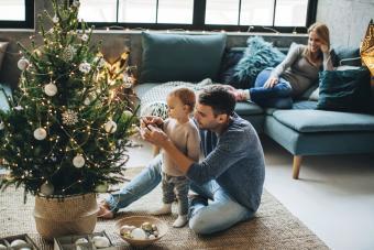 https://cf.ltkcdn.net/christmas/images/slide/275785-850x566-christmas-tree-ideas-small.jpg