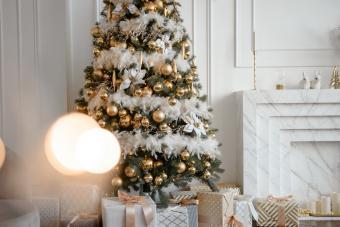 https://cf.ltkcdn.net/christmas/images/slide/275786-850x566-christmas-tree-ideas-overload.jpg