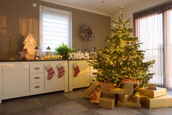 https://cf.ltkcdn.net/christmas/images/slide/275789-850x566-christmas-tree-ideas-shine.jpg