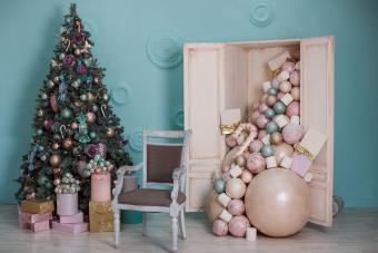 https://cf.ltkcdn.net/christmas/images/slide/275796-850x566-christmas-tree-ideas-first.jpg