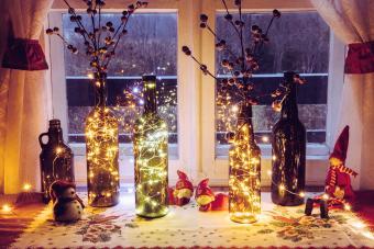 5 DIY Wine Bottle Christmas Decorations for Festive Fun