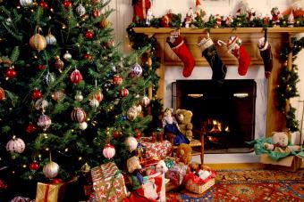 https://cf.ltkcdn.net/christmas/images/slide/276006-850x567-whimsical-christmas.jpg