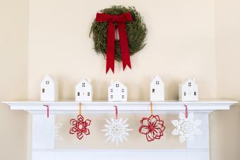 https://cf.ltkcdn.net/christmas/images/slide/276010-850x567-minimalistic-christmas.jpg