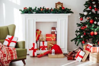 15 Lovely Mantel Christmas Decoration Ideas