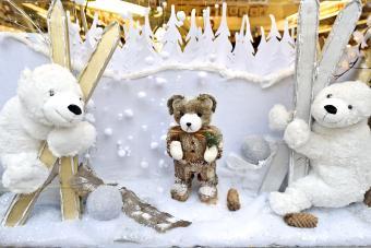 https://cf.ltkcdn.net/christmas/images/slide/276660-850x567-skiing-bears.jpg