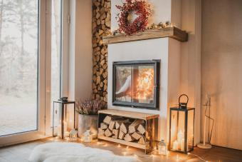 https://cf.ltkcdn.net/christmas/images/slide/276904-850x566-decorate-your-fireplace-christmas-13.jpg