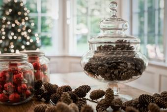 11 Fun Ways to Decorate for Christmas on a Tight Budget