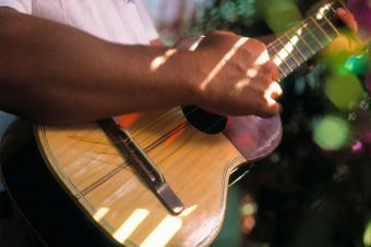 cuatro four string instrument