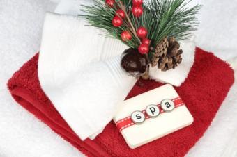 https://cf.ltkcdn.net/christmas/images/slide/50235-637x424r1-Christmas-Spa.jpg