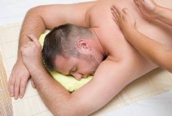 https://cf.ltkcdn.net/christmas/images/slide/814-600x405-Massage.jpg