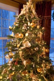 check out ff985 8af63 Folding Christmas Tree | LoveToKnow