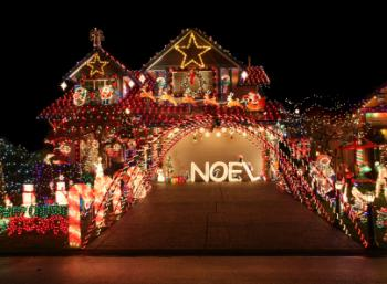 outdoor Christmas light display