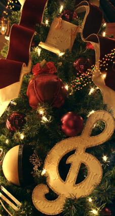 Music theme Christmas tree; copyright Sakura at Dreamstime.com