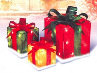 Lighted gift box set outdoor decoration from Amazon.com
