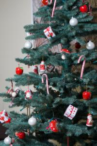 christmas tree decorated with candy canes - Candy Cane Christmas Tree Decorations