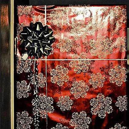 Gift wrap door