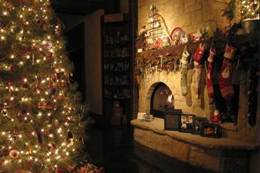 rustic family christmas english country inspired decorations source there are several country styles