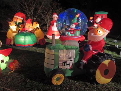 christmas inflatables - Disney Christmas Inflatables