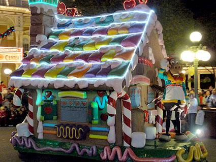 gingerbread float - Christmas Float Decorations