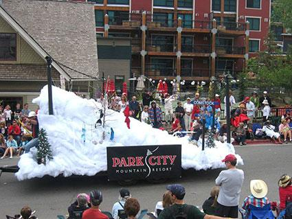 7 Christmas Parade Float Ideas Lovetoknow
