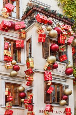outdoor christmas decoration ideas annette mcdermott by annette mcdermott christmas display in bolzano italy
