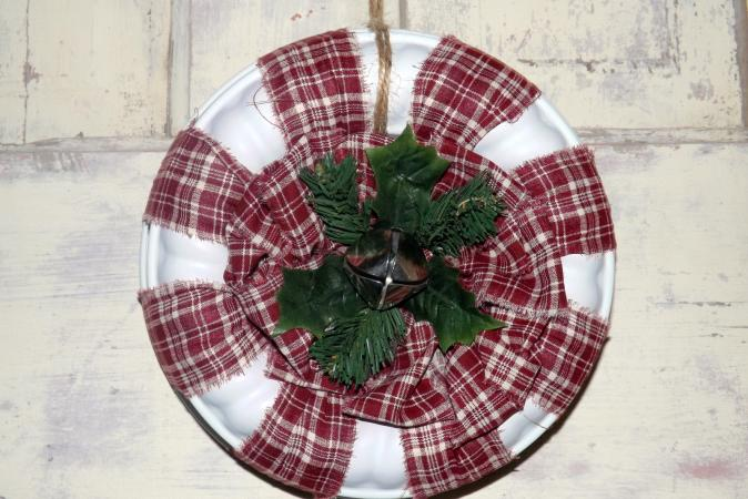 Gelatin Mold Peppermint Wreath