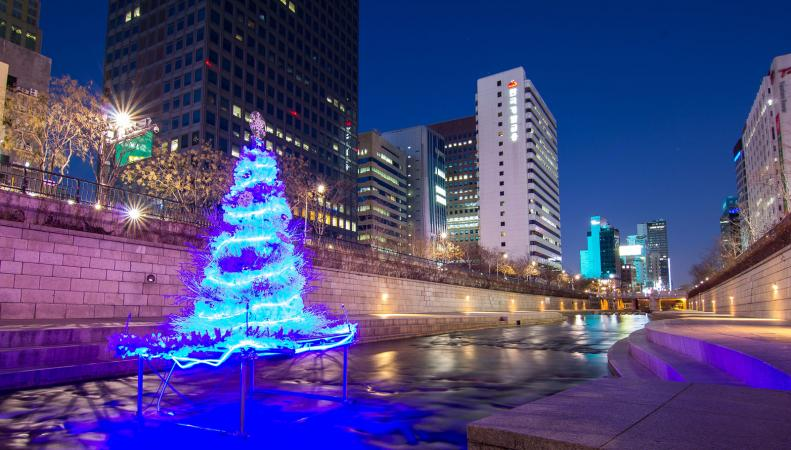 Christmas Tree at Cheonggyecheon