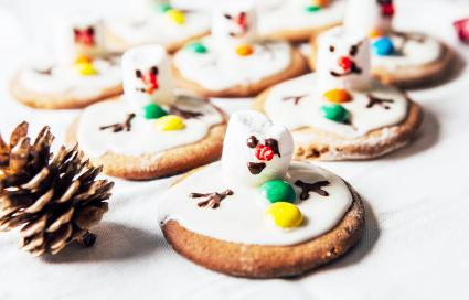 Army of melted snowmen on ginger cookies
