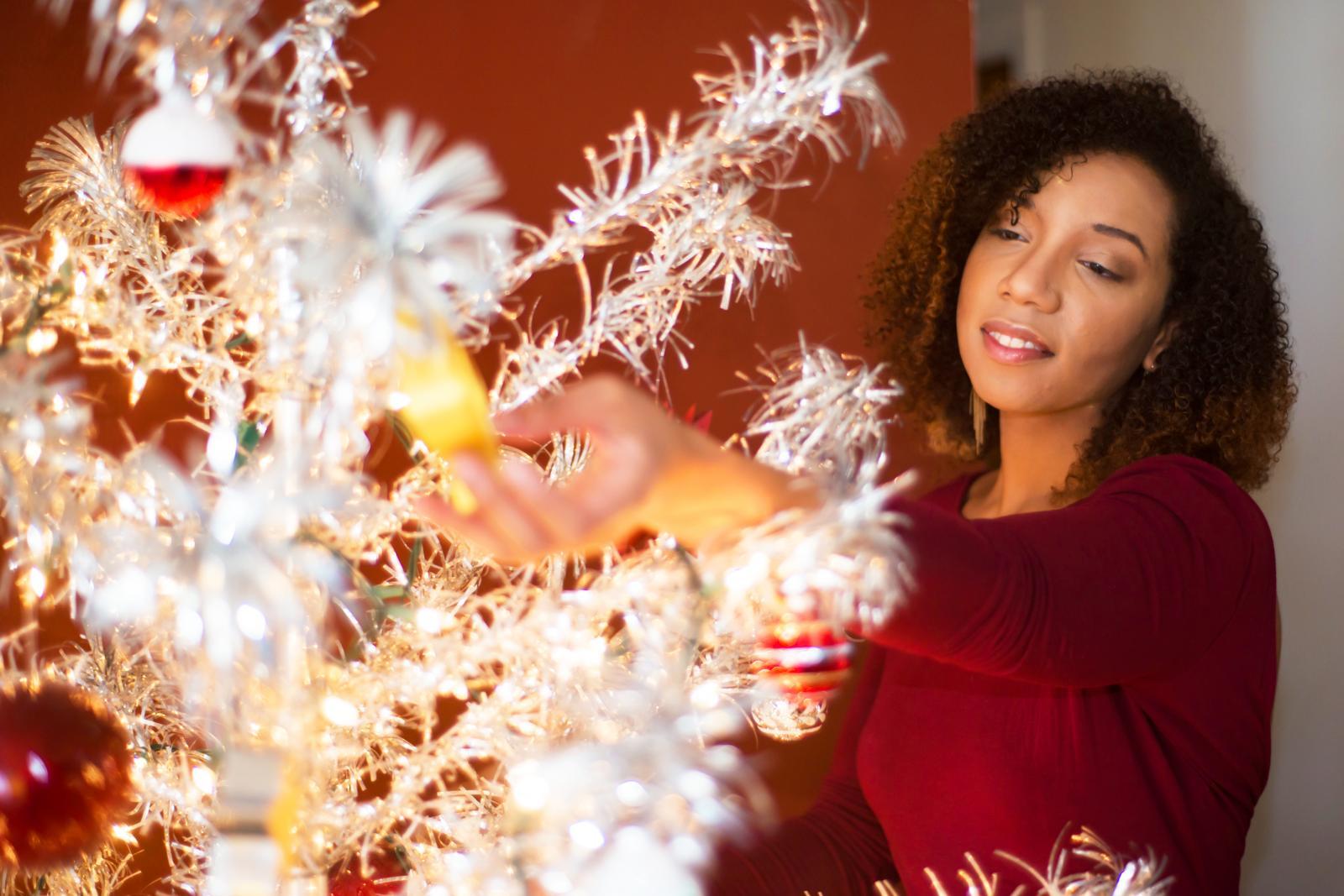 Decorating Aluminium Christmas Tree
