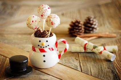 Peppermint Cake Pops in Snowman Mug