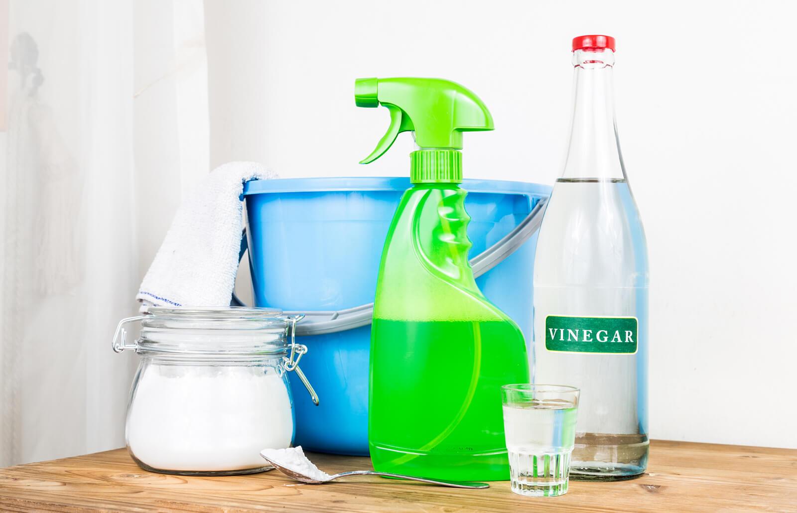 Easy Homemade Vinegar Cleaner for