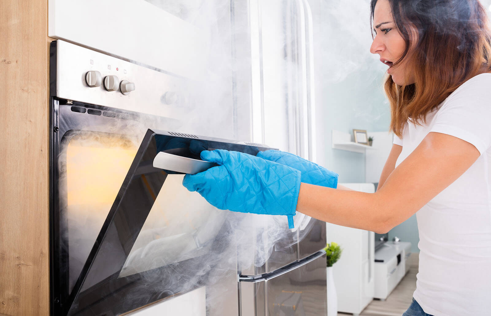 How to Remove Melted Plastic From an Oven (Safely)
