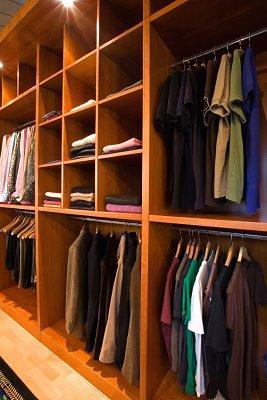 https://cf.ltkcdn.net/cleaning/images/slide/107495-267x400-clothes4.jpg