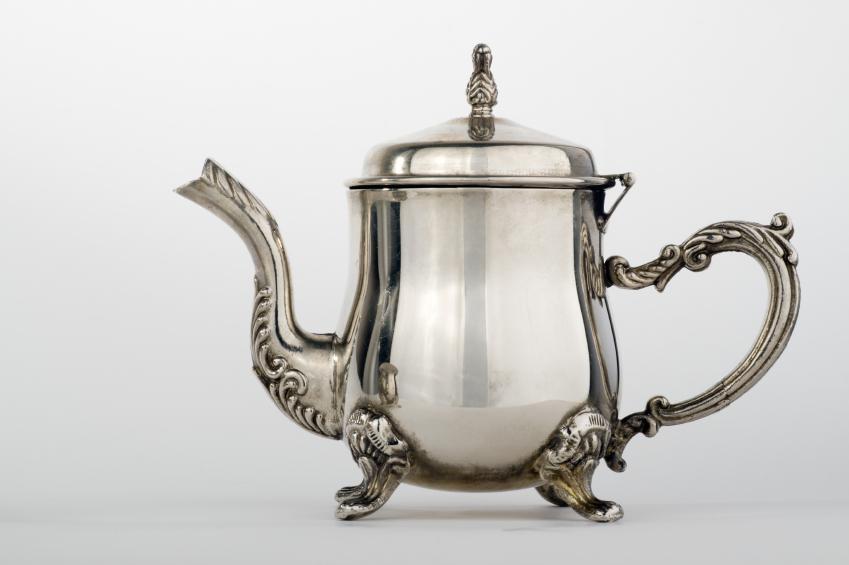 https://cf.ltkcdn.net/cleaning/images/slide/107547-849x565-teapot.jpg