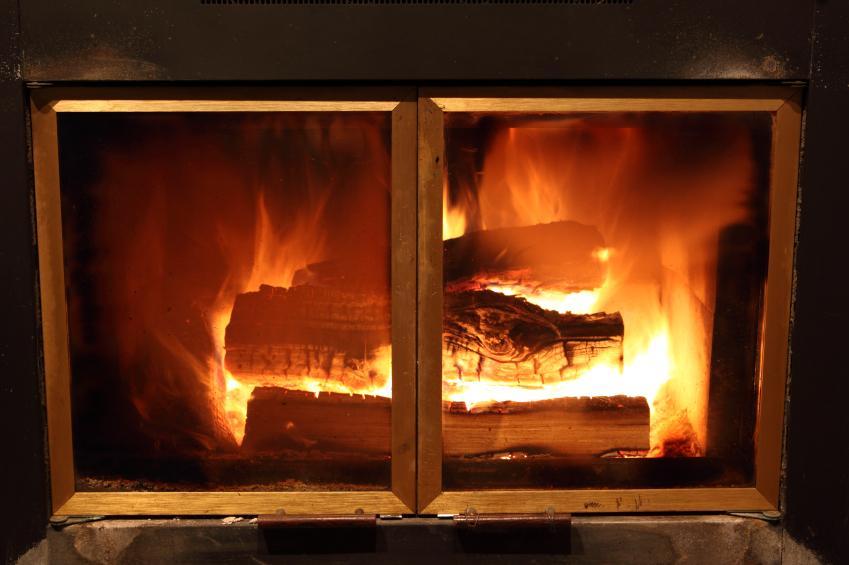 https://cf.ltkcdn.net/cleaning/images/slide/107646-849x565-Fireplace_5.jpg