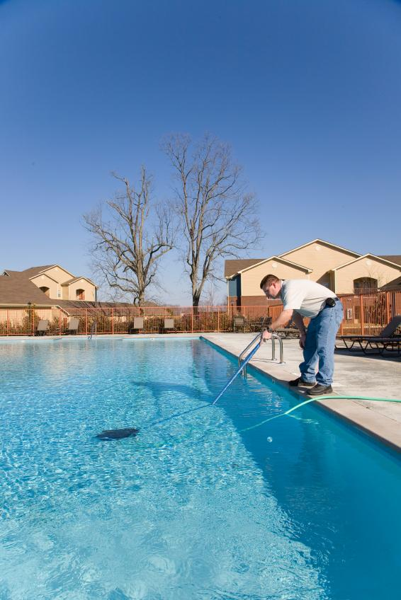 https://cf.ltkcdn.net/cleaning/images/slide/107724-566x848-Pool_Cleaning_Supplies_5.jpg