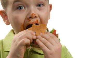 Hamburger_and_Boy.jpg