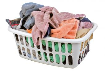 https://cf.ltkcdn.net/cleaning/images/slide/107543-839x572-laundry.jpg