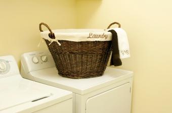 https://cf.ltkcdn.net/cleaning/images/slide/107544-850x561-washing-machine.jpg