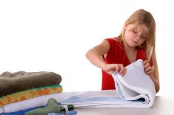 https://cf.ltkcdn.net/cleaning/images/slide/107675-849x565-folding_laundry.jpg
