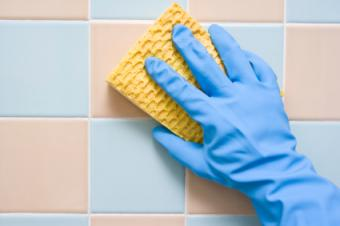Cleaning shower tiles