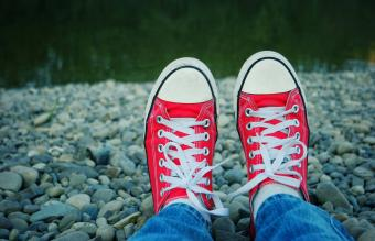How to Clean White Shoelaces