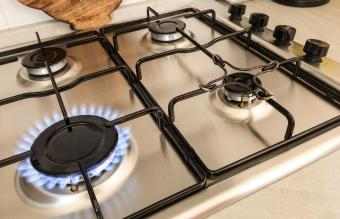 How to Clean Gas Stove Grates and Burners Naturally