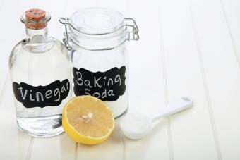 Vinegar, lemon and baking soda